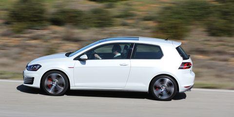 Tire, Wheel, Automotive design, Automotive tire, Vehicle, Automotive wheel system, Alloy wheel, Rim, Car, Hatchback,