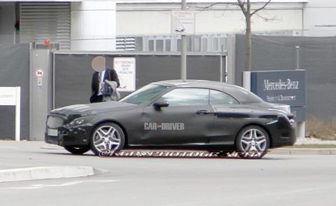 Tire, Wheel, Vehicle, Alloy wheel, Rim, Car, Personal luxury car, Spoke, Mid-size car, Full-size car,