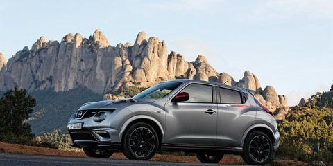 Tire, Wheel, Motor vehicle, Automotive design, Vehicle, Land vehicle, Automotive tire, Alloy wheel, Rim, Car,