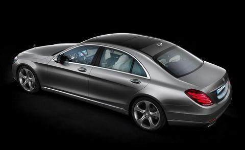 Tire, Automotive design, Vehicle, Car, Full-size car, Luxury vehicle, Rim, Sedan, Alloy wheel, Vehicle door,