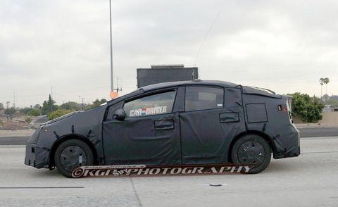 Motor vehicle, Tire, Wheel, Automotive tire, Mode of transport, Automotive design, Alloy wheel, Automotive mirror, Transport, Vehicle,
