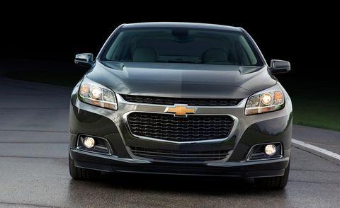 Motor vehicle, Automotive design, Daytime, Automotive mirror, Vehicle, Automotive lighting, Headlamp, Grille, Transport, Hood,