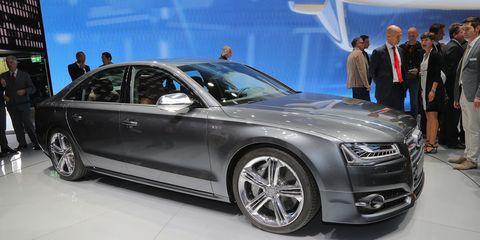 Tire, Wheel, Automotive design, Vehicle, Land vehicle, Event, Car, Alloy wheel, Grille, Personal luxury car,