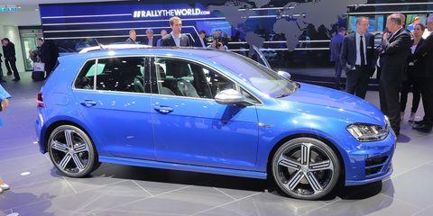Wheel, Tire, Automotive design, Vehicle, Automotive tire, Land vehicle, Alloy wheel, Rim, Car, Spoke,