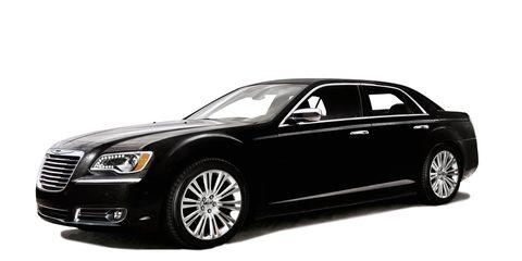 Tire, Wheel, Motor vehicle, Automotive design, Product, Automotive tire, Vehicle, Transport, Spoke, Rim,