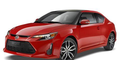 Motor vehicle, Automotive design, Product, Daytime, Vehicle, Automotive lighting, Headlamp, Glass, Land vehicle, Car,