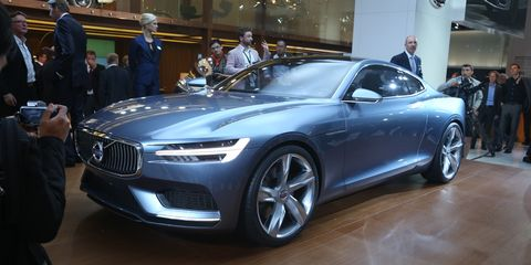 Tire, Wheel, Automotive design, Mode of transport, Vehicle, Land vehicle, Event, Car, Grille, Vehicle registration plate,