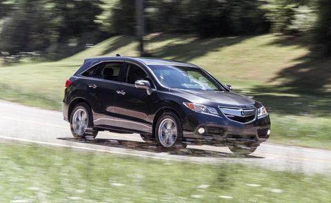 Tire, Vehicle, Land vehicle, Car, Automotive mirror, Automotive tire, Fender, Alloy wheel, Automotive lighting, Full-size car,