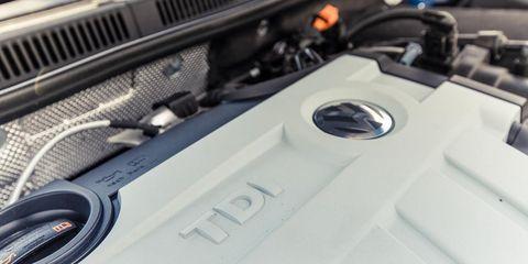 Automotive exterior, Carbon, Grille, Automotive engine part, Hood, Engine, Steel, Kit car, Personal luxury car,