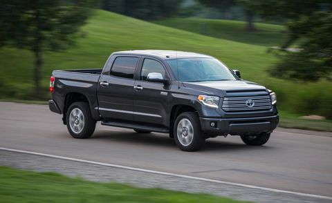 Motor vehicle, Tire, Wheel, Automotive tire, Road, Vehicle, Infrastructure, Automotive design, Rim, Pickup truck,