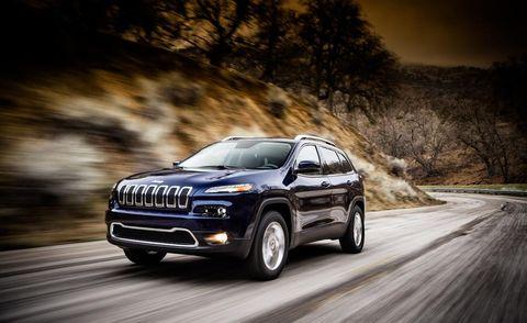 Tire, Wheel, Automotive design, Automotive tire, Vehicle, Land vehicle, Automotive exterior, Road, Rim, Car,