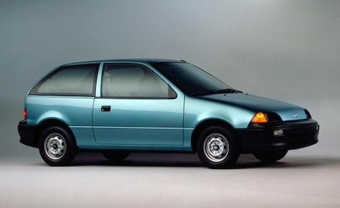 Wheel, Automotive design, Vehicle, Land vehicle, Automotive parking light, Transport, Car, Hood, Glass, Automotive exterior,