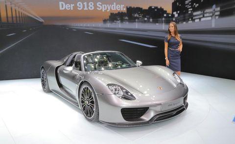 Automotive design, Mode of transport, Vehicle, Car, Performance car, Automotive lighting, Personal luxury car, Fender, Supercar, Sports car,