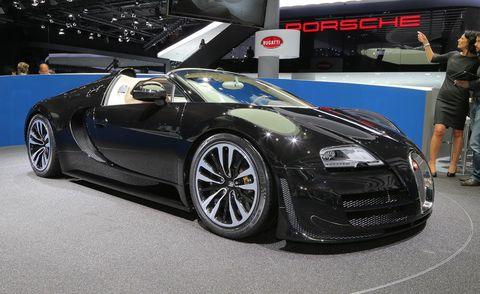 Tire, Wheel, Automotive design, Mode of transport, Vehicle, Land vehicle, Car, Rim, Auto show, Personal luxury car,