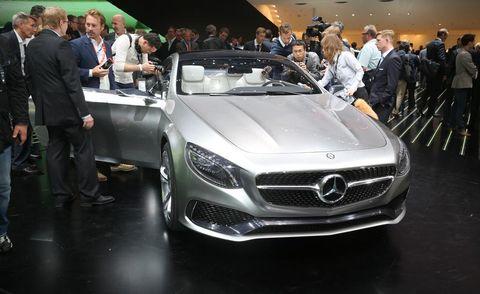 Automotive design, Vehicle, Land vehicle, Event, Car, Personal luxury car, Grille, Mercedes-benz, Luxury vehicle, Auto show,