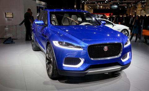 Tire, Motor vehicle, Wheel, Automotive design, Vehicle, Land vehicle, Car, Grille, Headlamp, Automotive lighting,