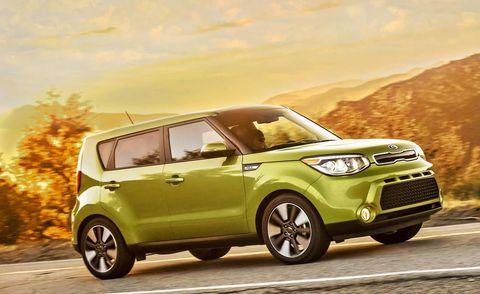 Tire, Motor vehicle, Wheel, Automotive mirror, Automotive design, Vehicle, Yellow, Land vehicle, Vehicle door, Automotive exterior,
