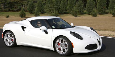 Automotive design, Vehicle, Headlamp, Automotive lighting, Car, Supercar, Rim, Performance car, Sports car, Fender,