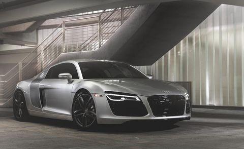 Automotive design, Vehicle, Car, Rim, Performance car, Personal luxury car, Alloy wheel, Fender, Grille, Sports car,