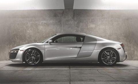 Tire, Wheel, Automotive design, Vehicle, Land vehicle, Rim, Car, Spoke, Alloy wheel, Personal luxury car,