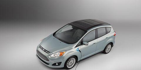 Motor vehicle, Tire, Automotive design, Automotive mirror, Mode of transport, Vehicle, Automotive lighting, Transport, Glass, Car,