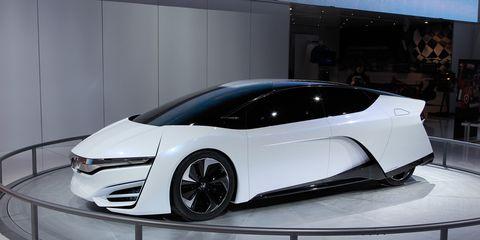 Automotive design, Mode of transport, Vehicle, Automotive mirror, Land vehicle, Transport, Car, Personal luxury car, Sports car, Fender,