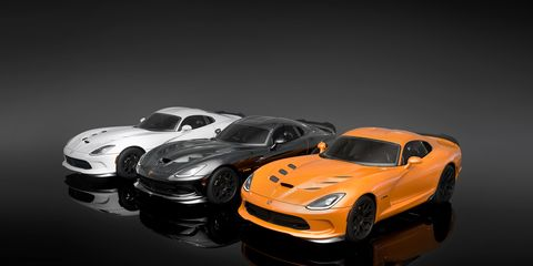 Automotive design, Vehicle, Automotive lighting, Headlamp, Hood, Land vehicle, Automotive exterior, Automotive parking light, Car, Automotive tire,