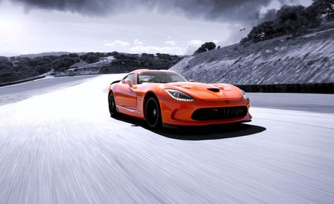 Tire, Wheel, Mode of transport, Automotive design, Vehicle, Automotive mirror, Land vehicle, Automotive lighting, Headlamp, Car,