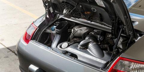 Automotive design, Automotive tail & brake light, Vehicle, Automotive exterior, Vehicle registration plate, Automotive lighting, Car, Trunk, Automotive parking light, Personal luxury car,
