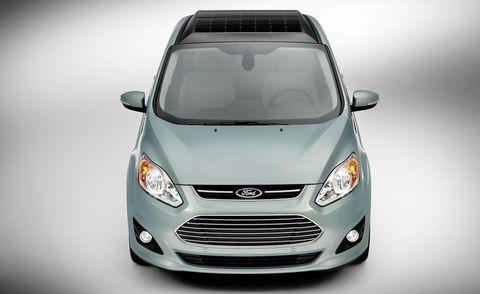 Tire, Motor vehicle, Automotive design, Mode of transport, Product, Daytime, Glass, Transport, Headlamp, Vehicle,