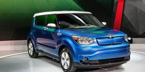 Motor vehicle, Automotive design, Vehicle, Automotive mirror, Automotive exterior, Vehicle door, Car, Automotive lighting, Glass, Hood,