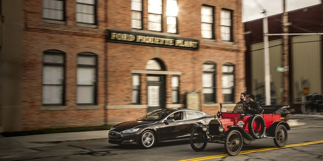 2013 Tesla Model S vs  1915 Ford Model T: Race of the Centuries