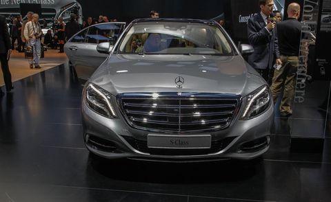 Automotive design, Mode of transport, Vehicle, Land vehicle, Grille, Car, Personal luxury car, Mercedes-benz, Luxury vehicle, Mid-size car,