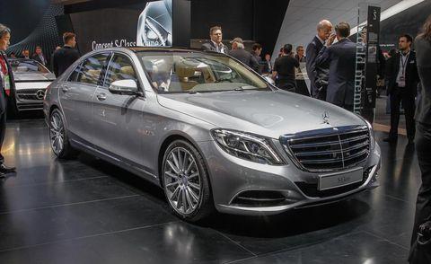 Automotive design, Land vehicle, Vehicle, Car, Personal luxury car, Grille, Mercedes-benz, Luxury vehicle, Mid-size car, Alloy wheel,