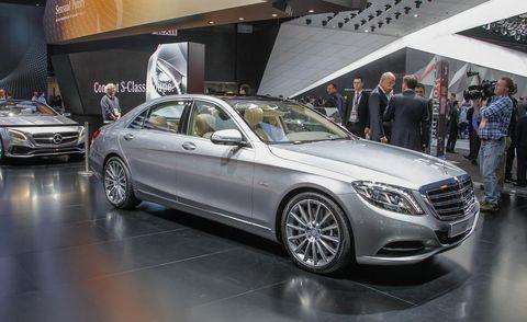 Wheel, Tire, Automotive design, Land vehicle, Vehicle, Alloy wheel, Car, Personal luxury car, Luxury vehicle, Grille,