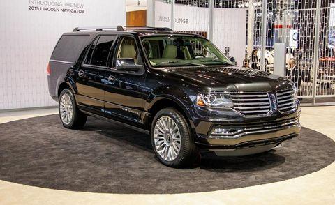 Wheel, Tire, Automotive tire, Automotive design, Vehicle, Land vehicle, Automotive parking light, Rim, Car, Grille,