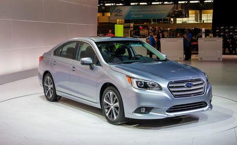 Tire, Motor vehicle, Wheel, Automotive design, Vehicle, Land vehicle, Automotive lighting, Headlamp, Car, Automotive tire,