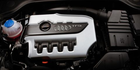 Automotive design, Engine, Motorcycle accessories, Automotive fuel system, Motorcycle, Automotive engine part, Carbon, Machine, Personal luxury car, Muffler,