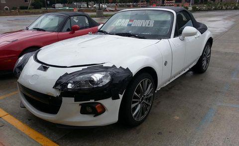 Automotive design, Vehicle, Automotive mirror, Land vehicle, Hood, Car, Performance car, Alloy wheel, Rim, Automotive lighting,