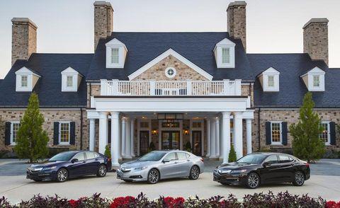 Wheel, Tire, Land vehicle, Window, Automotive parking light, Car, Rim, Residential area, Real estate, Alloy wheel,