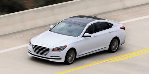 Tire, Wheel, Automotive design, Vehicle, Automotive lighting, Car, Grille, Full-size car, Rim, Spoke,