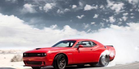 Tire, Wheel, Automotive tire, Automotive design, Vehicle, Automotive lighting, Automotive exterior, Performance car, Hood, Rim,