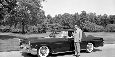 Tire, Wheel, Vehicle, Automotive design, Classic car, Car, Classic, Vehicle door, Personal luxury car, Luxury vehicle,