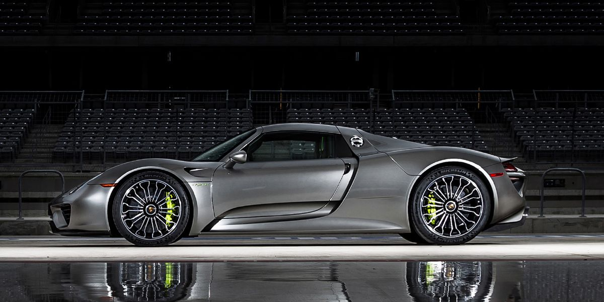 2015 Porsche 918 Spyder Tested: 2.2 Seconds to 60!
