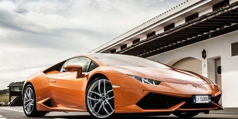 Tire, Wheel, Mode of transport, Automotive design, Vehicle, Transport, Land vehicle, Car, Supercar, Rim,