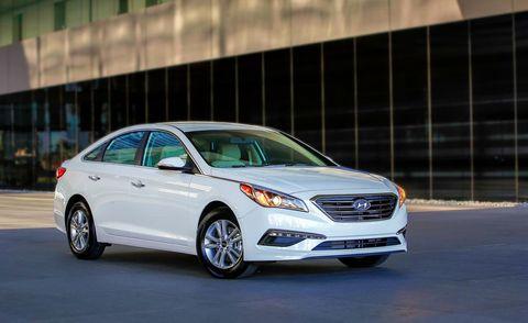 Tire, Wheel, Automotive design, Vehicle, Automotive lighting, Glass, Headlamp, Car, Grille, Full-size car,