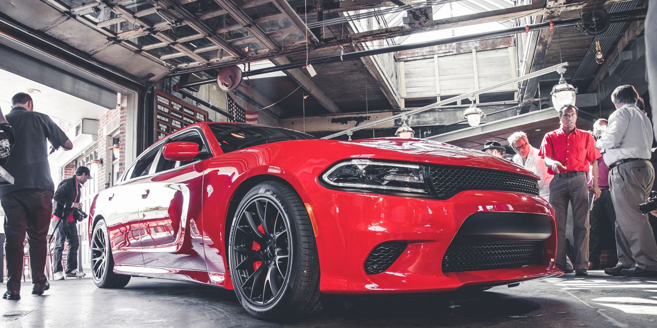 2015 Dodge Charger SRT Hellcat: 707 hp, 204 mph, Unlimited Bad-Assitude