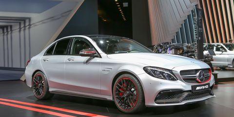 Tire, Wheel, Mode of transport, Automotive design, Vehicle, Land vehicle, Car, Alloy wheel, Rim, Grille,