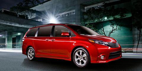 Tire, Wheel, Automotive design, Mode of transport, Vehicle, Transport, Automotive lighting, Car, Glass, Rim,