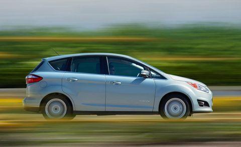 Wheel, Tire, Motor vehicle, Mode of transport, Automotive mirror, Automotive design, Vehicle, Transport, Car, Rear-view mirror,